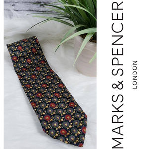 Marks & Spencer ~ Men's Silk Tie With Lions